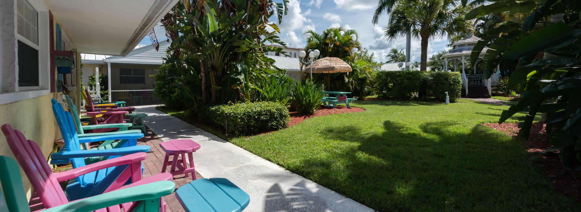 Chairs at Lemon Tree Inn of Florida